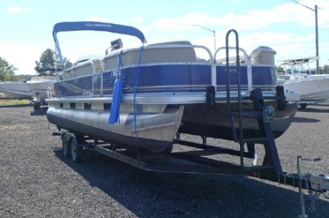 2013 Sun Tracker 24 DLX Party Barge
